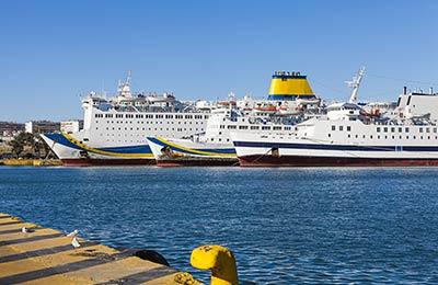 Chios - Karlovassi færger
