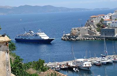 Saroniske øer færge